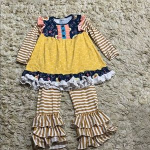 Navy yellow 2 piece boutique outfit size XL or 6